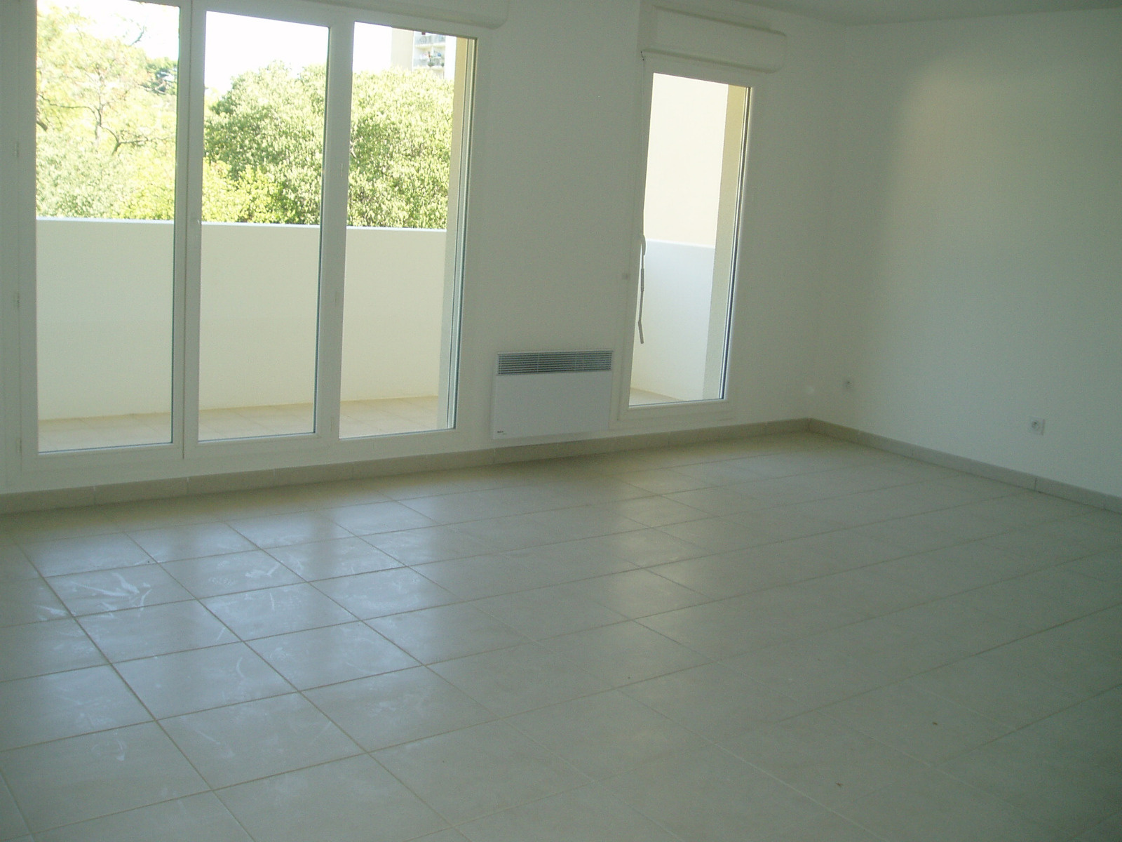 Appartement t4 louer marseille 13012 for Garage a louer marseille 13012